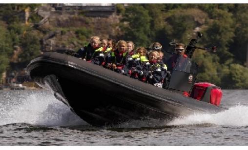 Ribbåt till bastuflotte i Mälaren